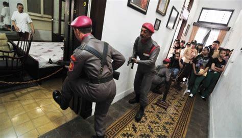 download film g30s pki idws kisah penyerbuan pki ke rumah a h nasution sejarah ri
