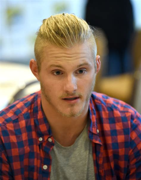 alexander ludwig photos photos quot vikings quot at comic con