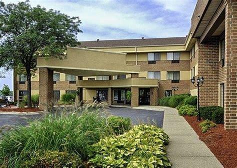 comfort inn and suites grand rapids mi comfort inn airport grand rapids mi hotel reviews