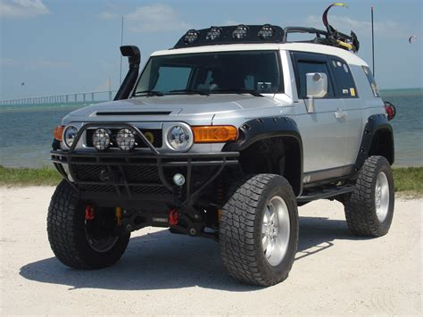 toyota cruiser lifted toyota fj cruiser lifted silver image 320