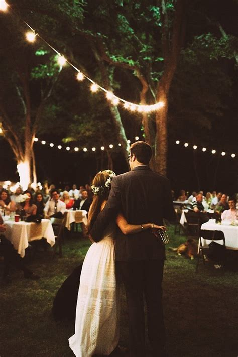 Apel Cople 19 charming backyard wedding ideas for low key couples