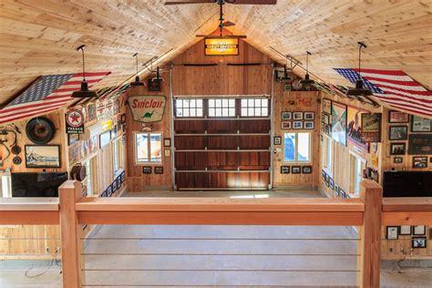 custom barn garage    barn yard great