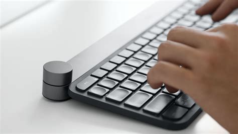 Helly Keyboard To Grab Your Attention by Logitech Craft Keyboard Has A Smart For Creatives