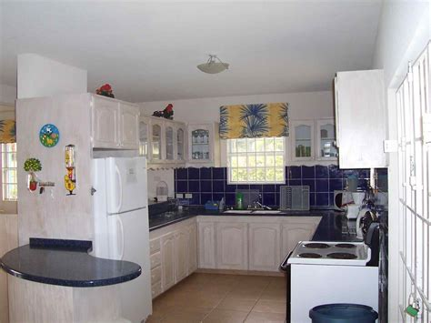 Small Kitchen Design Layout Ideas by Small Kitchen Design Layouts Deductour