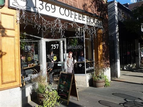 1369 coffee house 1369 coffee house in central square wish i could be there pinter