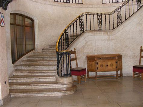 victorian staircase  marble flooring  house