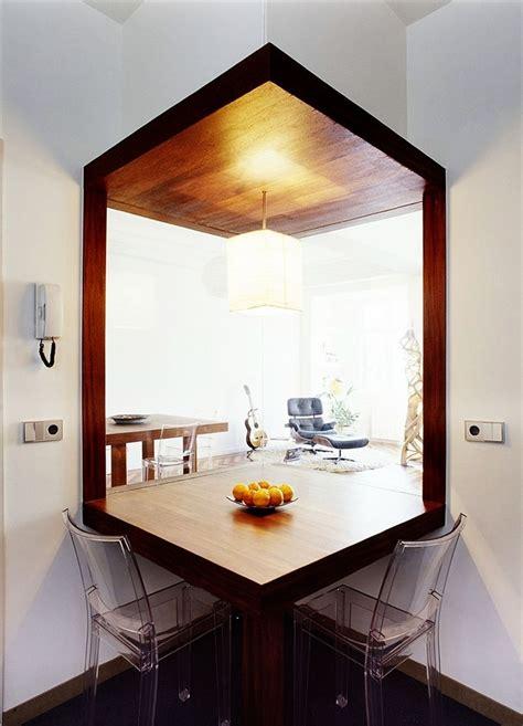 moderne wohnraumbeleuchtung cuisine contemporain blanche bois massif sombre