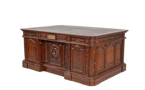 presidential desks 72 w x 48 d walnut presidential desk dsk012482 arenson