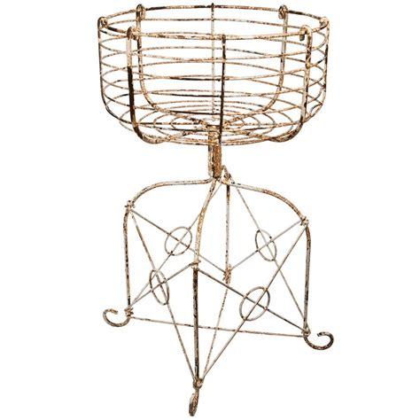 Wire Basket Planter by 17 Best Images About Wire On Planters Rebel