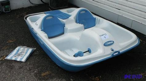 pelican 2 person paddle boat pelican boats flash 5 passenger pedal boat wi hank s