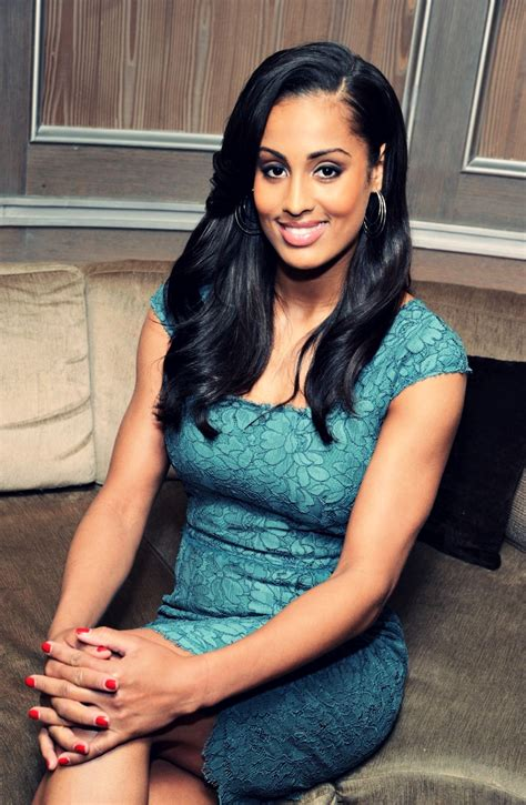 skylar pictures 2014 si swimsuit issue skylar diggins brings the