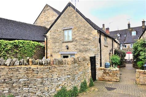 cottage to rent in stow on the wold character cottages