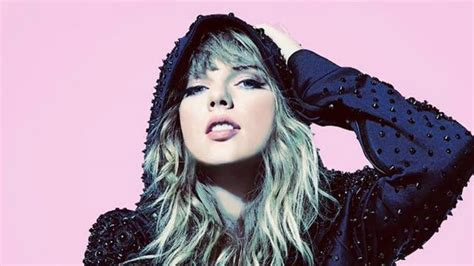 taylor swift concert years taylor swift announces first tour in two years