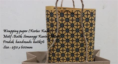 Kertas Kado Untuk Pembungkus Hadiah wrapping paper pembungkus kado batik motif semanggi kuning