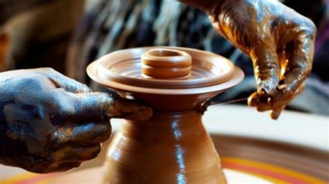 Cottage Industries In Mumbai by Shopclues To Sell Handicrafts Through Tie Up With Central