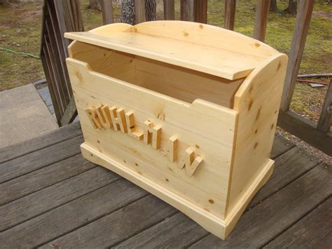 woodworking plans pine toy box  plans