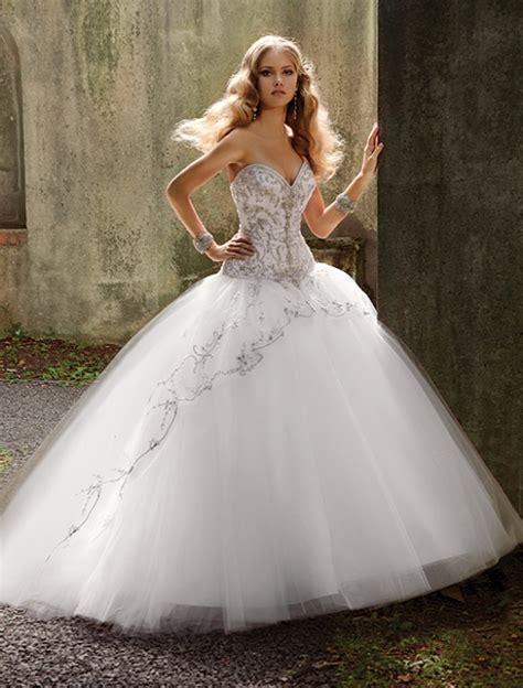 imagenes de vestidos de novia con brillos vestidos de novia amalia carrara vestidos de novia