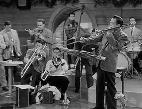 glenn miller swing glenn miller s orchestra wives and sun valley serenade for