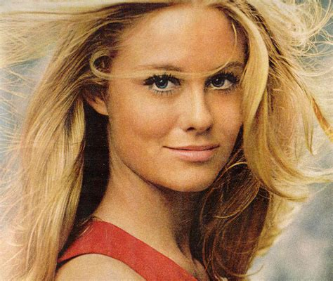 1970s female celebrities gold country girls models from the 70 s cybill shepherd