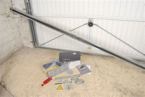 installer une porte de garage basculante installation porte de garage coulissante c 226 ble