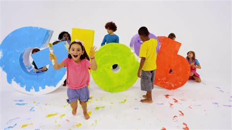 imagenes de niños jugando reales una divertida imagen corporativa identifica al nuevo canal