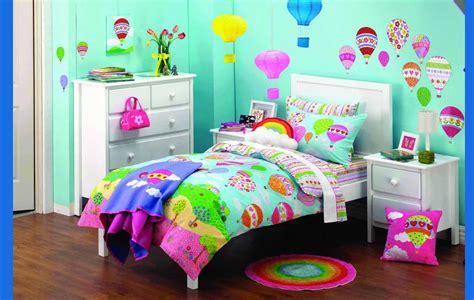 tips memilih wallpaper kamar tidur anak perempuan