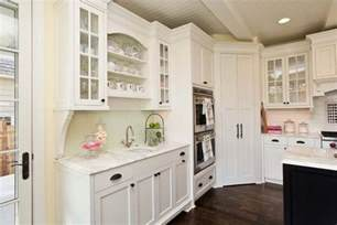 Kitchen Corner Pantry Cabinet Design Ideas And Practical Uses For Corner Kitchen Cabinets