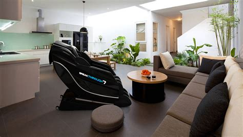 sports massage couch official medical breakthrough 7 model t massage chairs