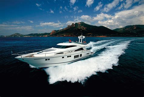 yacht speed fairline squadron 78 yacht at full speed yacht charter