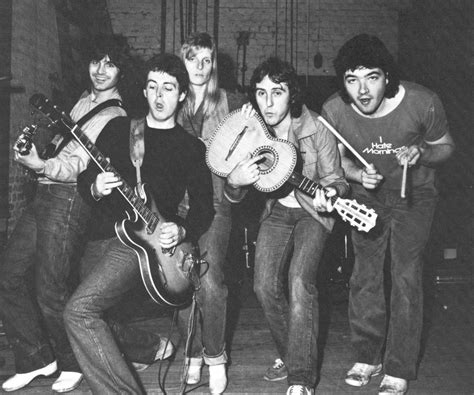 wigs band escape from planet earth the wings band on the run