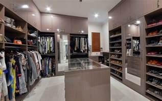 walk in wardrobe create your walk in wardrobes in perth