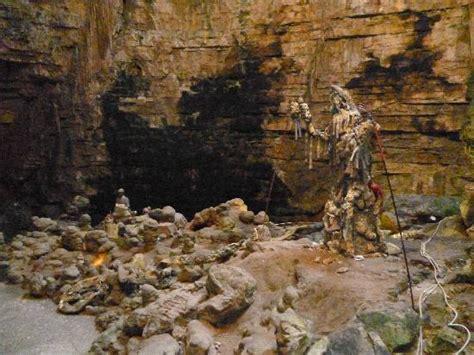 ingresso grotte di castellana grotta all ingresso foto di grotte di castellana