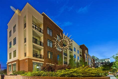 Greenville Appartments by 98 E Mcbee Apartments Greenville Sc Apartment Finder