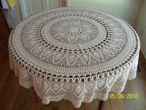 pattern crochet tablecloth pin pineapple round tablecloth crochet pattern on pinterest