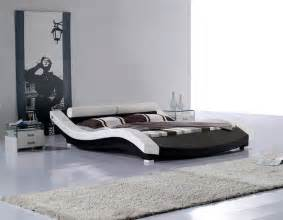Contemporary Platform Bed Modern Leatherette Platform Bed Cr1930 Contemporary Bedroom