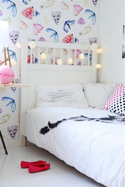 Baby Moths In Bedroom by Girly Decor Butterfly Wallpaper Room