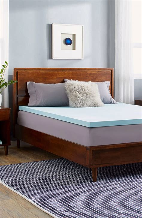 Overstock Foam Mattress by How To Choose A Memory Foam Mattress Topper Overstock