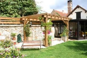 salon de jardin avec pergola qaland