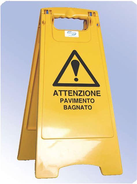 cartello pavimento bagnato attrezzature salemi 232 pezzame abrasivi panni spugna e