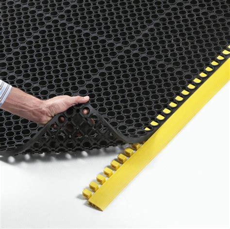tappeto antiscivolo tappeto antifatica antiscivolo sanigom tappeti
