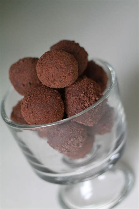 Handmade Chocolate Recipe - truffles recipe dishmaps