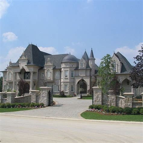 mansions driveways and castles on