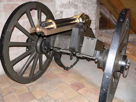 Gasing Cannon file mitrailleuse gatling p1000591 jpg wikimedia commons