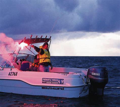 noodsignaal scheepvaart solas handstakelsignaal noodsignaal of noodseinfakkel