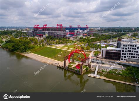 Nissan Of Nashville by Nissan Stadium Nashville Tennessee Foto De Stock