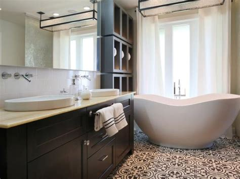 hgtv small bathrooms makeovers small bathroom makeovers hgtv 2017 2018 best cars reviews