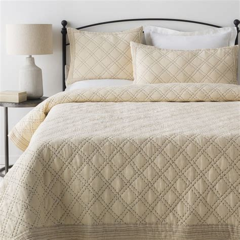 summer coverlet discover the best bedspreads for summer overstock com