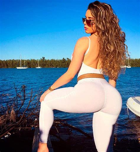 kim kardashian hot and sizzling huge booty photo shoot clone wars kim kardashian bum clone blacksportsonline