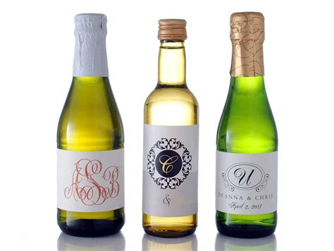 how to choose the correct mini wine label size