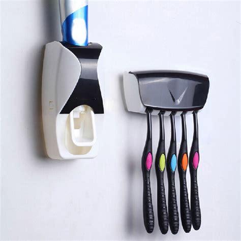 Dispenser Odol Dan Sikat Gigi dispenser odol dengan holder sikat gigi black